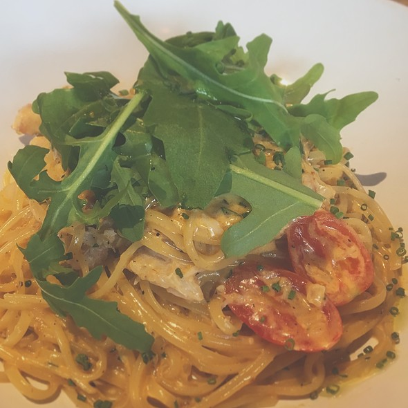 Linguine With Crab Meat In A Shrimp & Crab Paste Cream Sauce