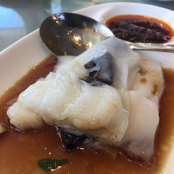 带子肠粉 Steamed Cheong-fun with Scallop Filling