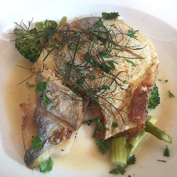 Sautéed Pompano With Asparagus And Broccoli
