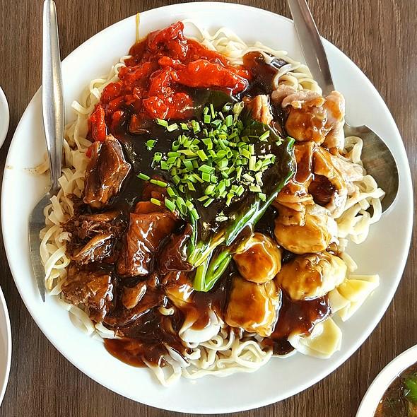 Noodle Feast