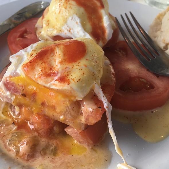 Eggs Blackstone