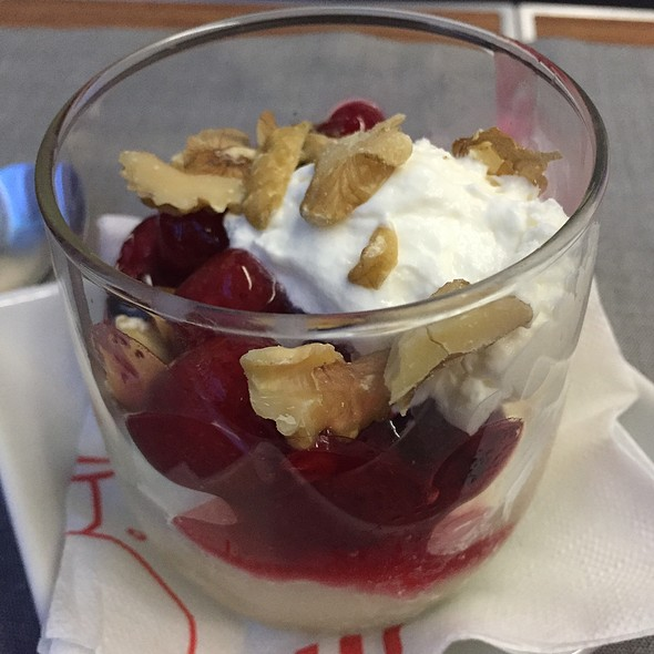 Ice Cream Sundae @ American Airlines