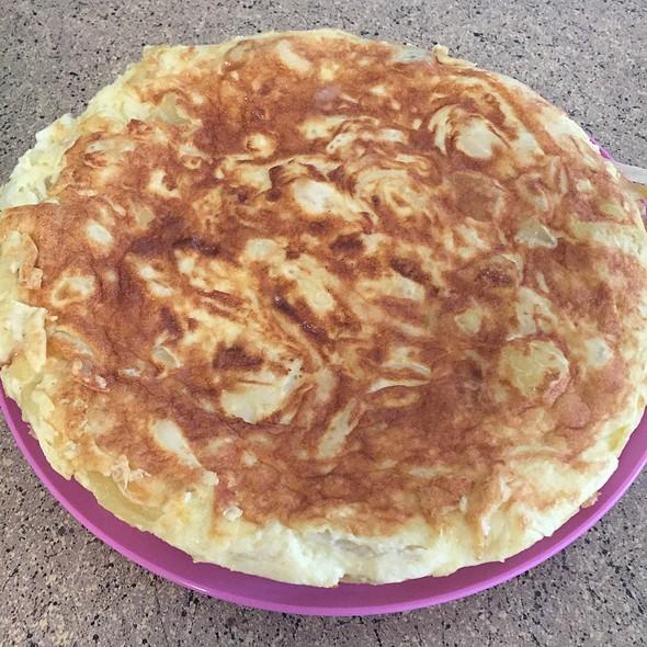 Tortilla Espanola Con Patatas @ Home