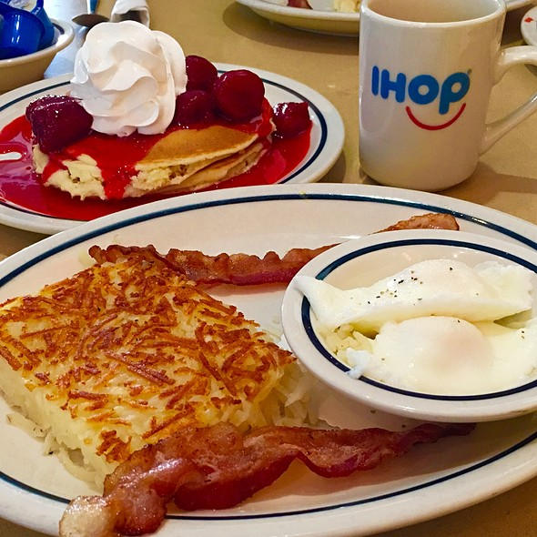 Eggs Hashbrowns Strawberry Pancakes @ IHOP