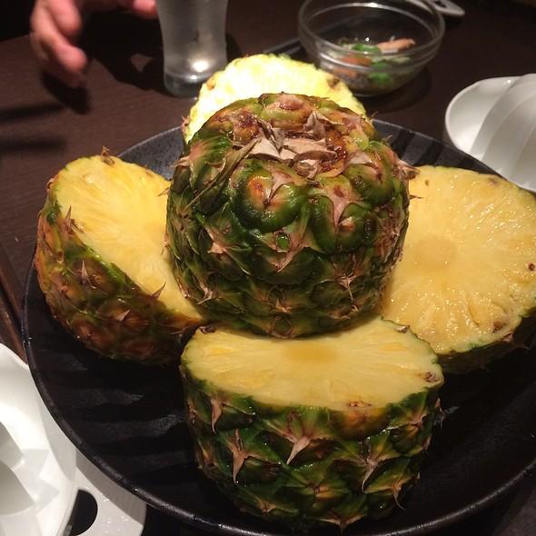 Pineapples @ 水の和座 山葵