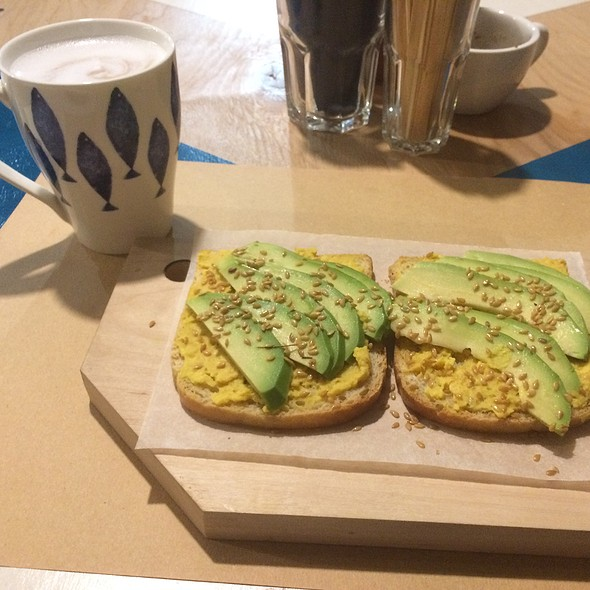 Toass With Avocado&Hummus. Coconut Milk Cocoa