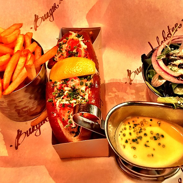 lobster roll @ Burger & Lobster