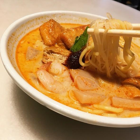 Penang Curry Mee 槟城咖喱面 @ MALAYSIAN FOOD STREET 马来西亚美食街