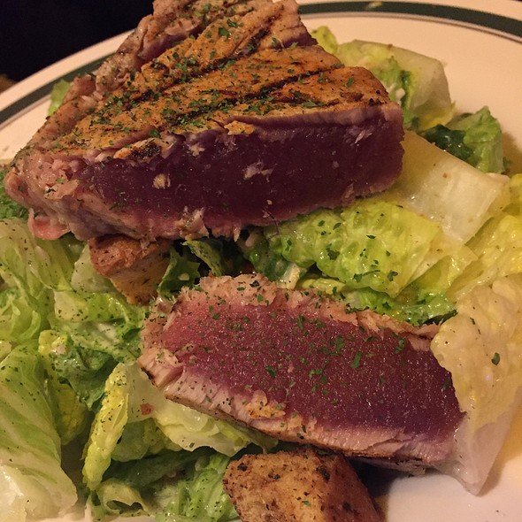 Tuna Steak @ Flanigan's Seafood Bar & Grill