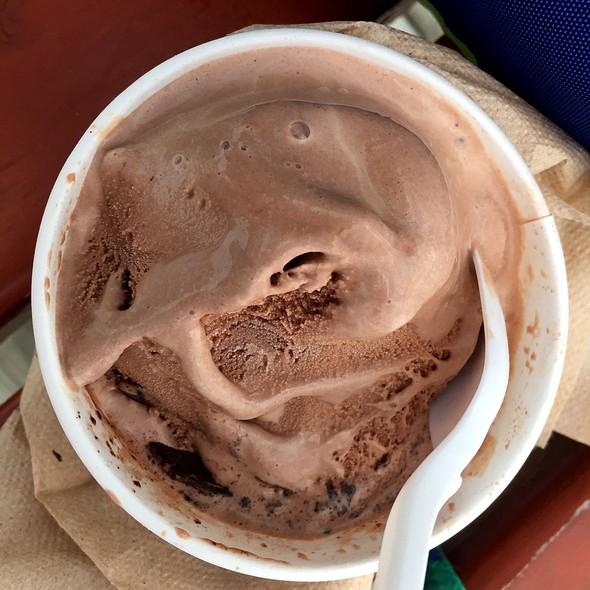 Hershey's Chocolate & Chocolate Moose Tracks Ice Cream @ Scoops