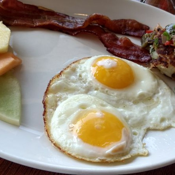 Bacon and eggs @ Grace's Table