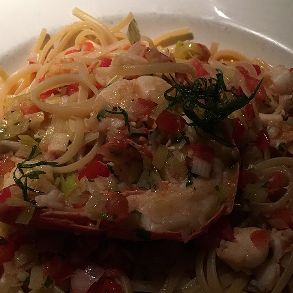 Linguine & Fresh Maine Lobster @ Sevy's