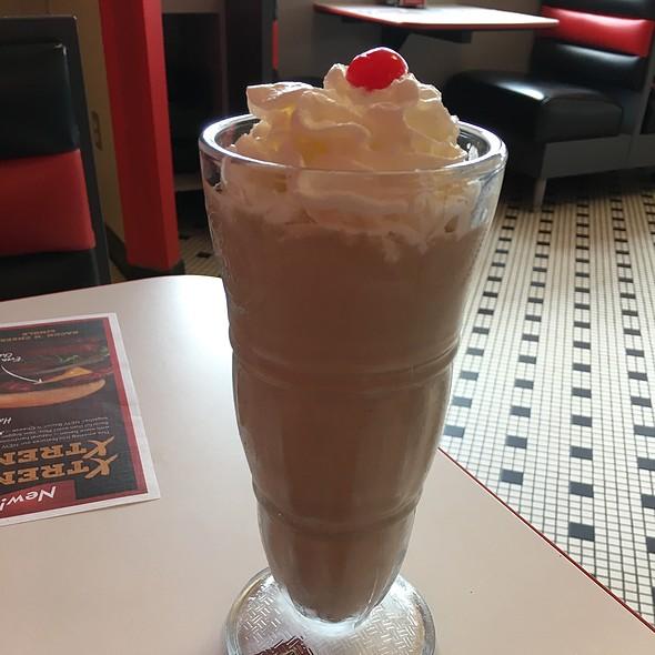 Chocolate Milkshake @ Steak 'N Shake