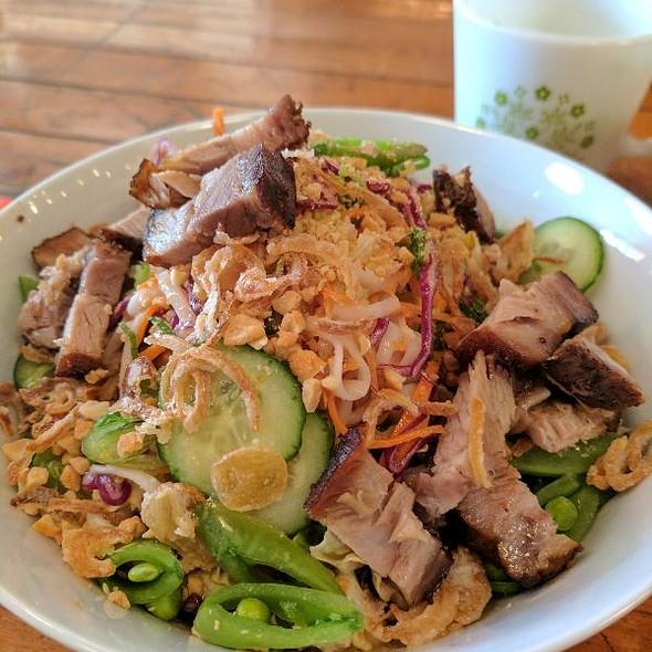 Peanut Noodle Salad @ Macha Tea Company