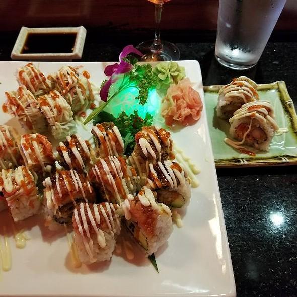 Sushi @ Va Yama Sushi Bar