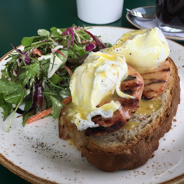 Peameal Benny @ The Green Wood
