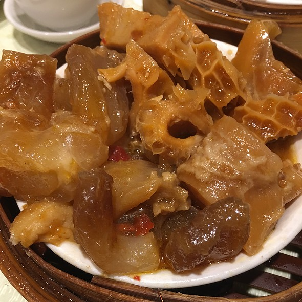 Steamed Marinated Beef Tendon And Tripe
