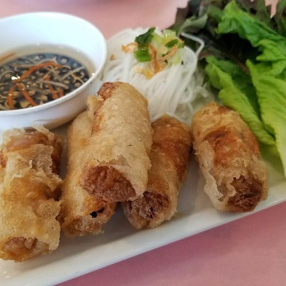Imperial Rolls @ Yummy Yummy Vietnamese
