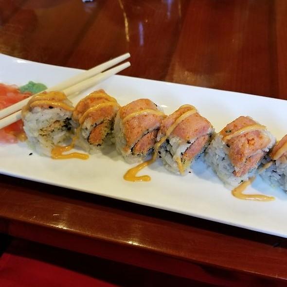 Shiki Sakura Spicy Tuna Roll