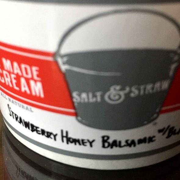 Salt & Straw Strawberry Honey Balsamic Ice Cream @ The Country Cat