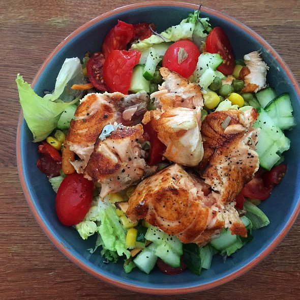 Salad And Salmon, Corn, Peas And Ginger @ ./lsd Cooking Pot
