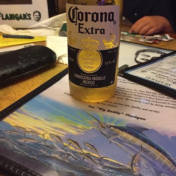 Corona @ Flannigans Seafood Bar & Grill
