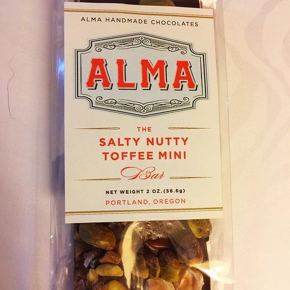 The Salty Nutty Toffee Mini @ Alma Chocolate