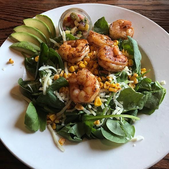 Avocado Mango Shrimp Salad
