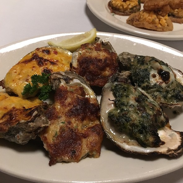 Oyster Sampler @ 42nd Street Oyster Bar & Seafood Grill
