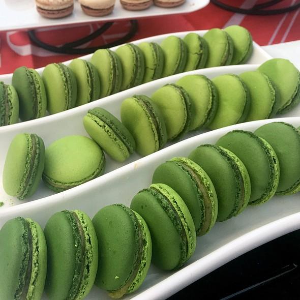 Lime Basil Macarons