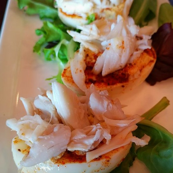 Deviled Eggs With Crabmeat