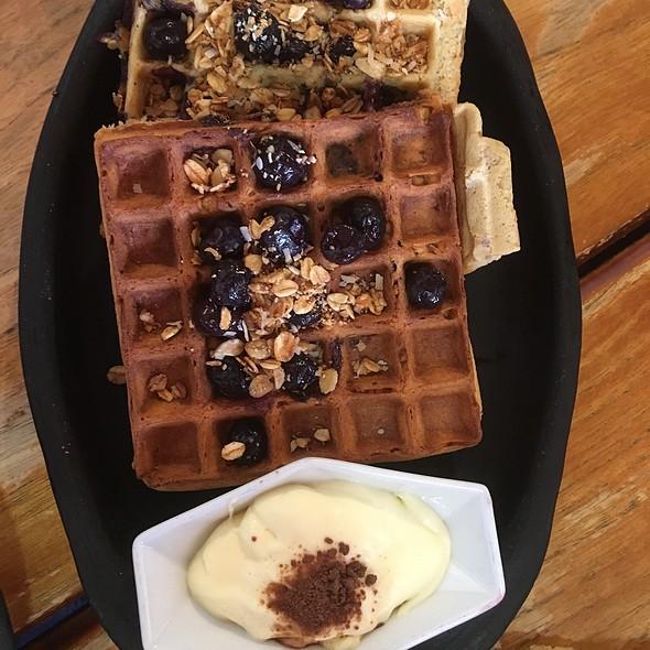 Special Belgian Blueberry Granola Waffle