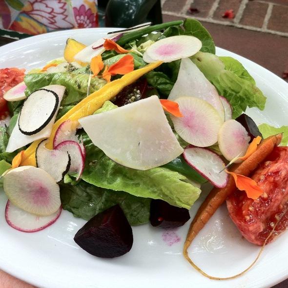 Market Fresh Bistro Upcountry Vegetable Salad - Market Fresh Bistro, Makawao, HI