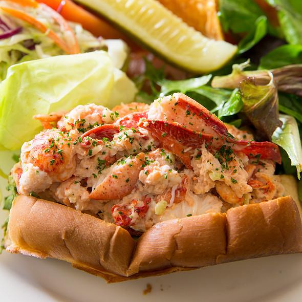 The Main Line Lobster Roll @ Glenmorgan Bar & Grill