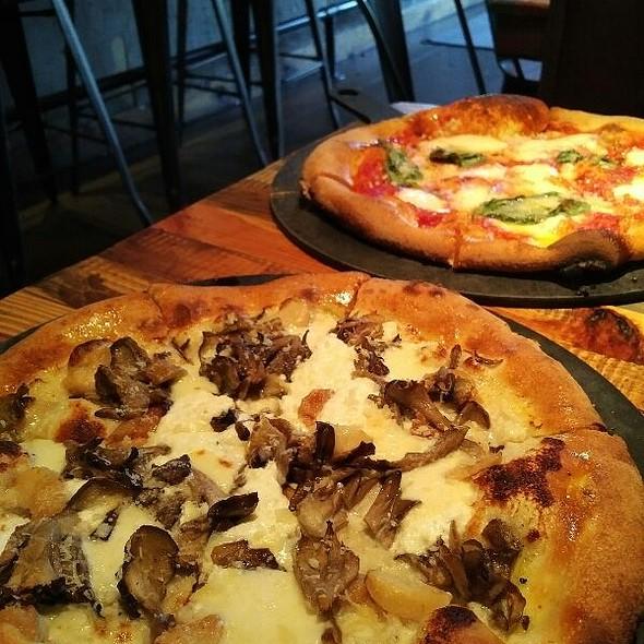 #6 @ Vero Pizzeria