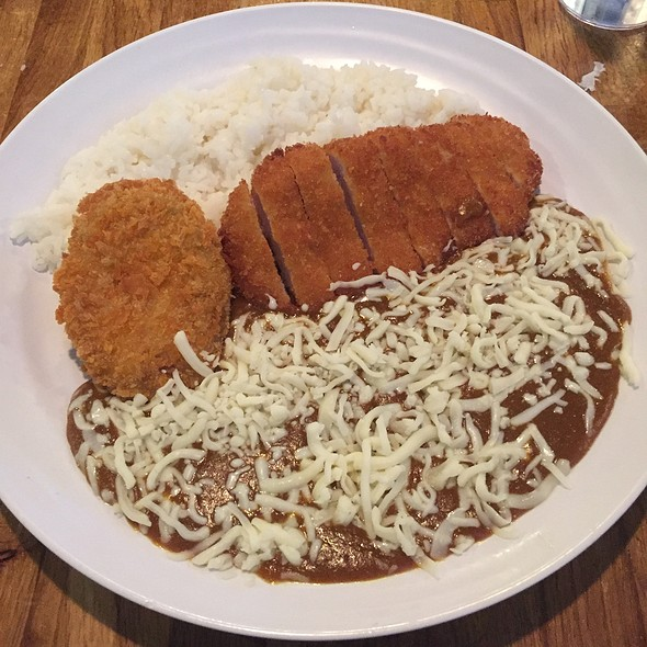 Katsu Curry With Cheese And A Croquette