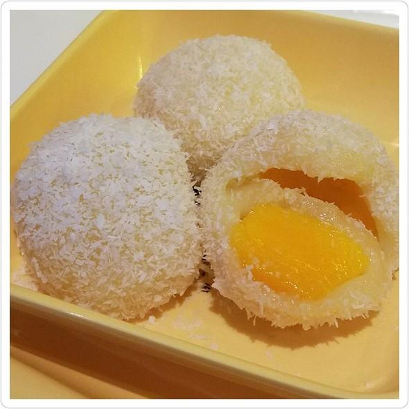 Mango Mochi @ Sweethoney Dessert