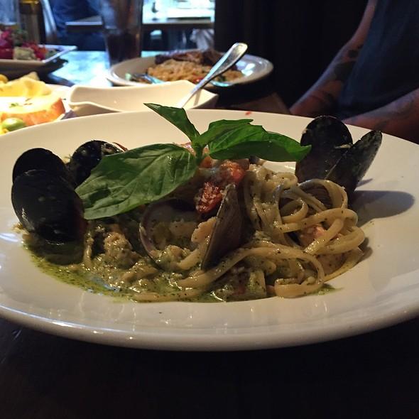 Seafood Linguine @ Sur Restaurant