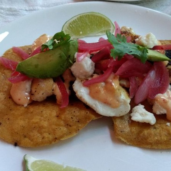fish tacos @ Pig & Poet