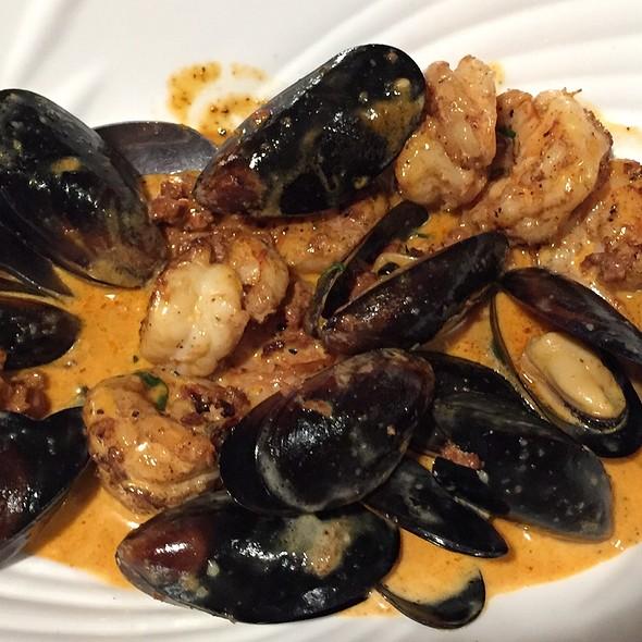 Mussels, Shrimp & Chorizo