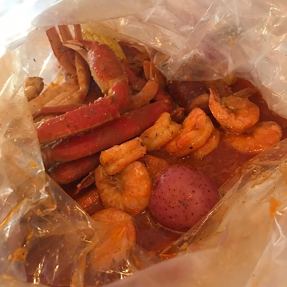 Shrimp And Snow Crab Legs @ The Angry Crab
