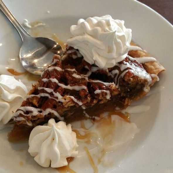 Pecan Pie @ Flying Fish Market & Grill
