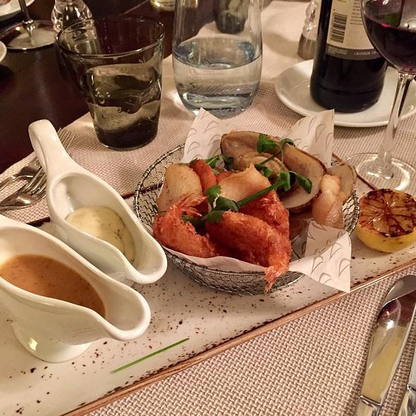 Mixed Fried Seafood Starter @ La Boussole