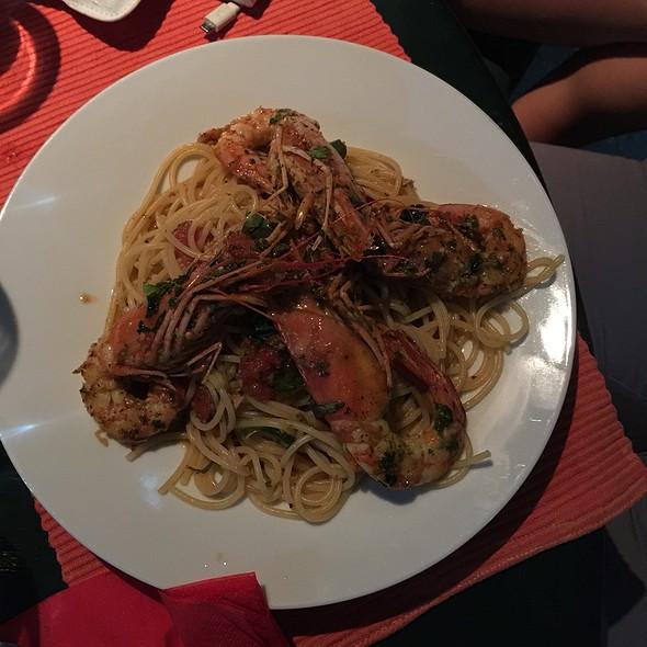 Spaghetti with Prawns @ Donna Rosa