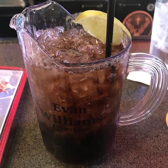 Blackout Bowl 32Oz Whiskey & Diet @ Jake's Roadhouse