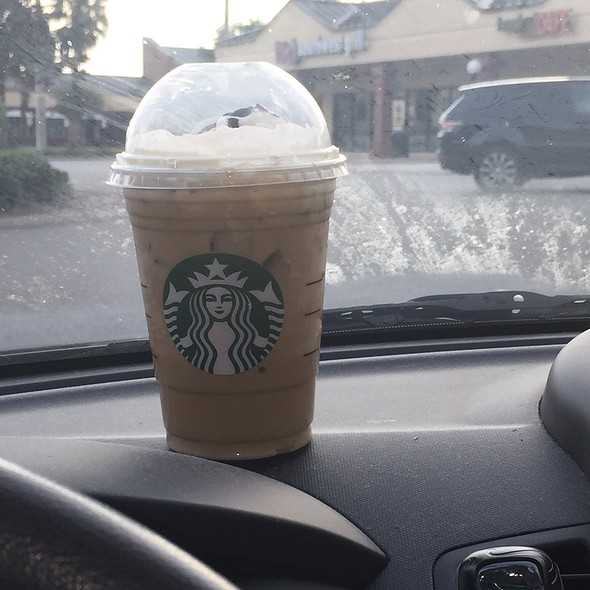 Grande Iced White Mocha With Nonfat Milk