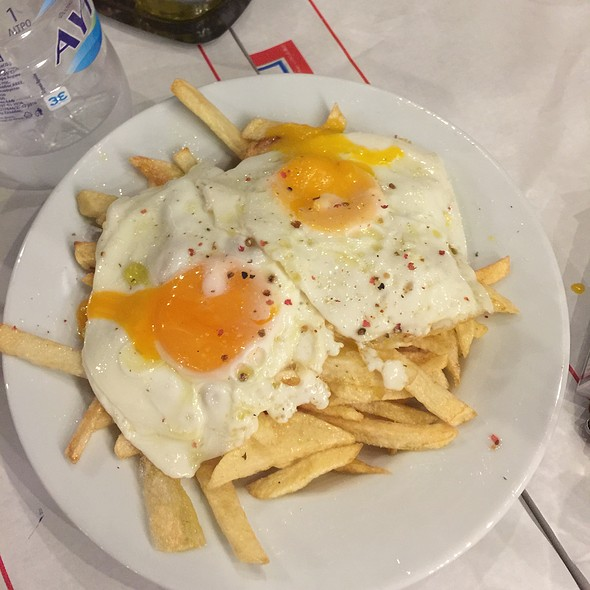 French Fries With Eggs @ Πασάς