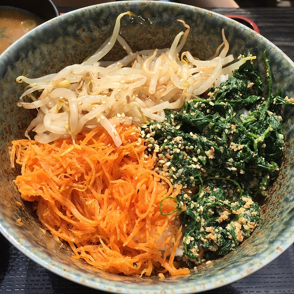 Sesame Spinach & Vege Over Rice