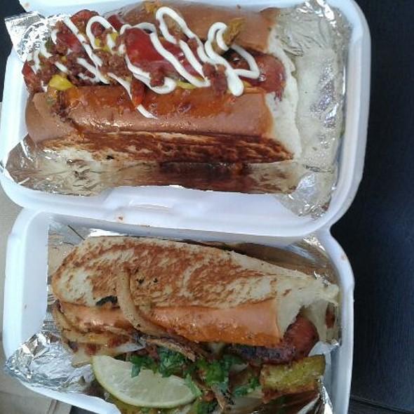 Hot Dogs @ Dirt Dog