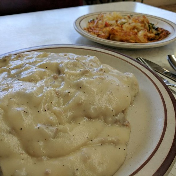 Biscuits and Gravy @ Prairie Diner